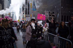 Manifestación en la 6a Avenida de Nueva York