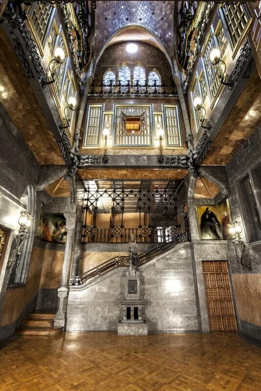 El Palau Güell, l'obra més autèntica de Gaudí, vol formar part d'un mapa de cases singulars del món