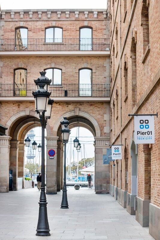 El Pier 01 és el primer edifici que va crear Barcelona Tech City a la ciutat.
