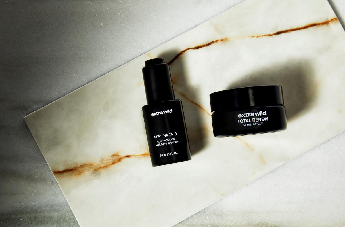 El sérum y la crema facial deExtra Wild