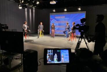 Presentació de la jornada Immersió Estratègica 2020 amb els representants dels quatre clústers catalans