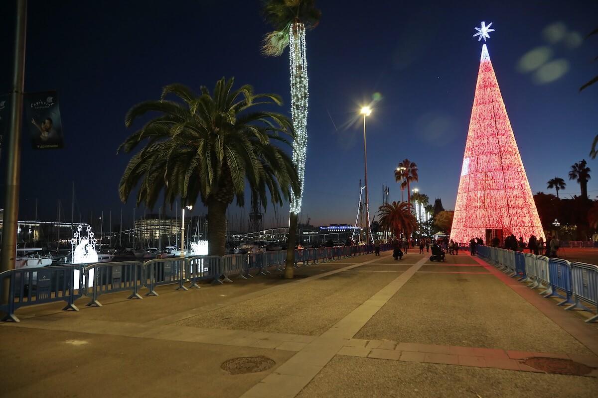 Árbol de Navidad en el Moll de la Fusta, Barcelona