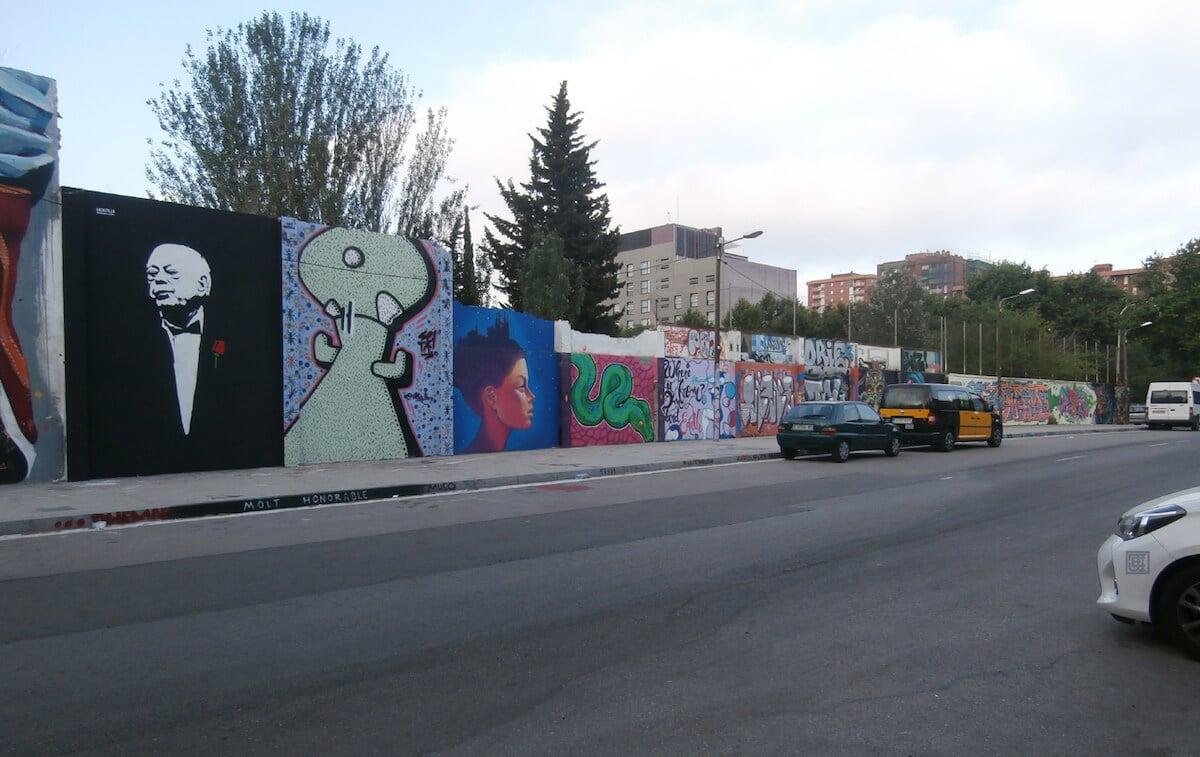 Grafiti 'Molt Honorable', de la artista La Castillo.