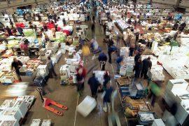 Movimiento de vehículos y trabajadores en Mercabarna