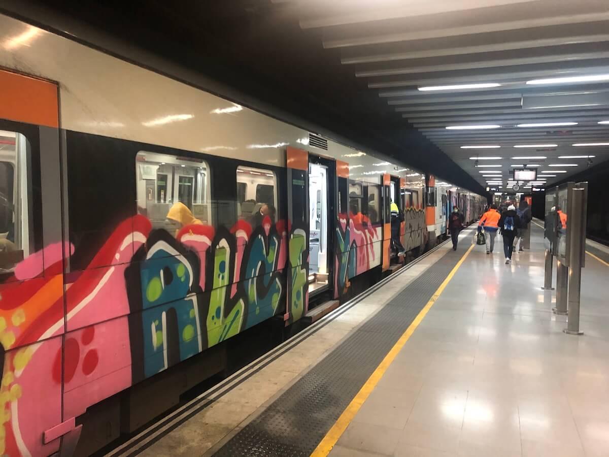 Tren Rodalies grafitis