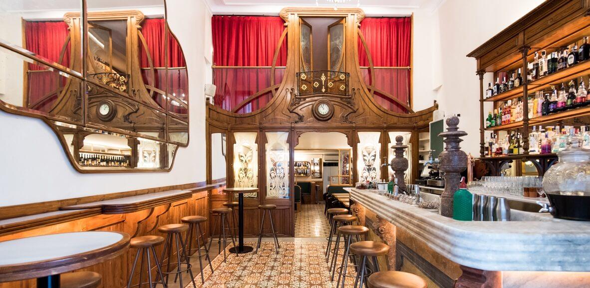 Interior del Bar Muy Buenas a Barcelona