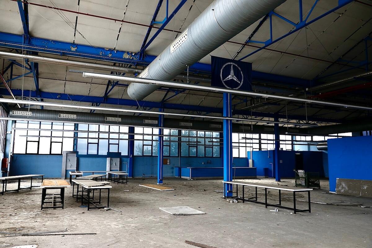 Interior de la antigua fábrica Mercedes-Benz de Barcelona
