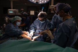 Operació per transplantar un ronyó Hospital Clínic