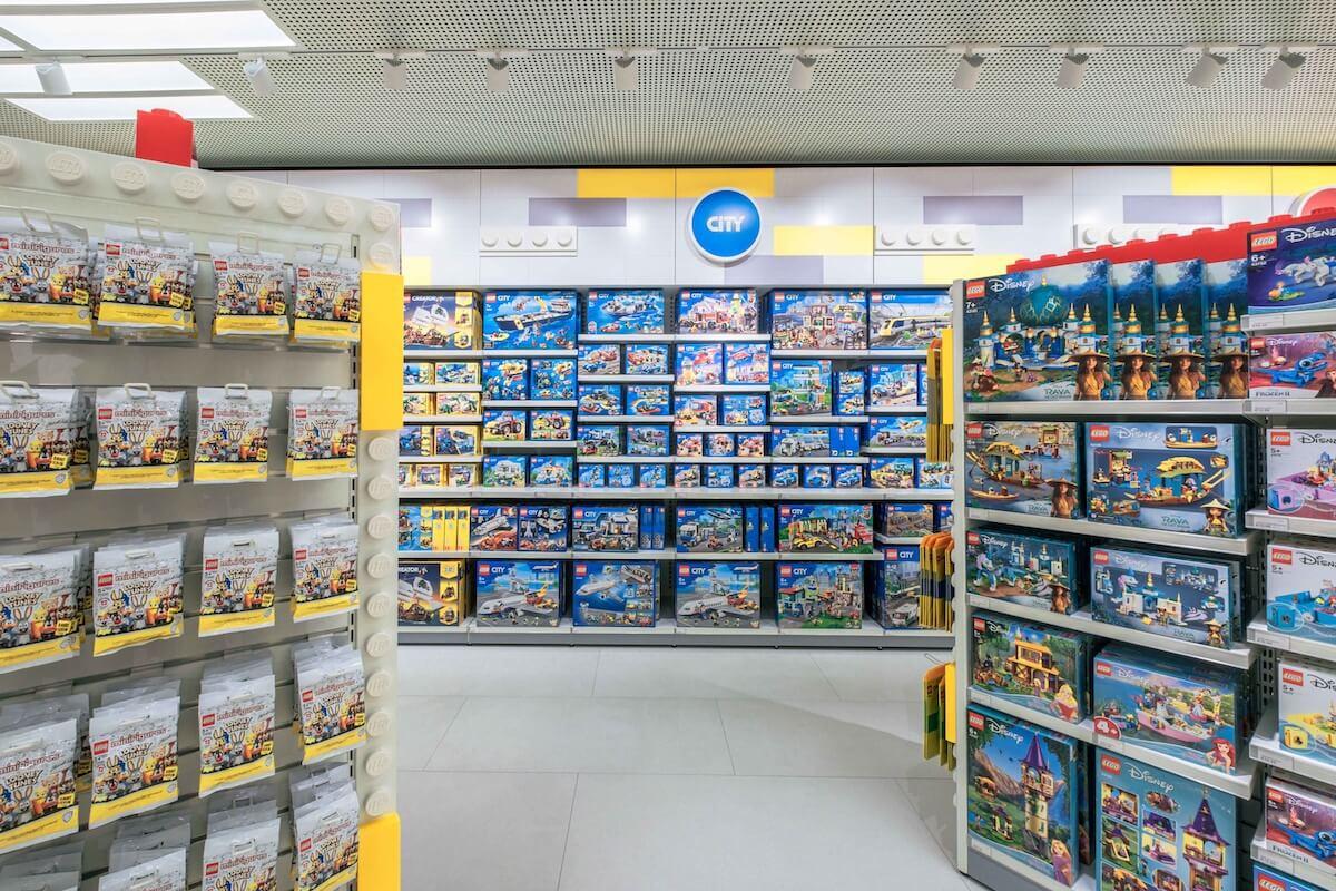 interior de la futura tienda de Lego.