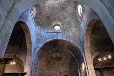 interior del monasterio de Sant Pau del Camp.