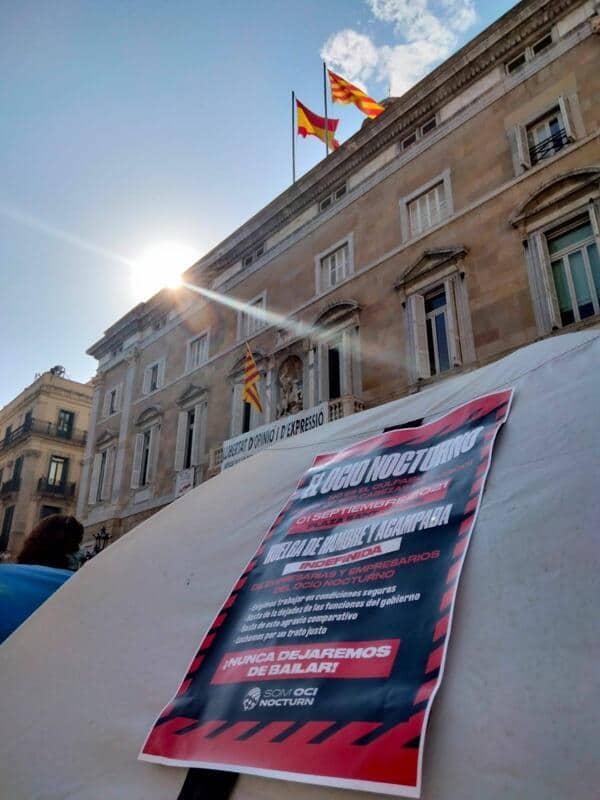 acampada oci nocturn plaça sant jaume Barcelona